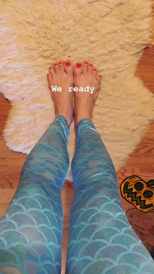 Erika-Christensen-Feet-10a103ece5e96c40b1.jpg