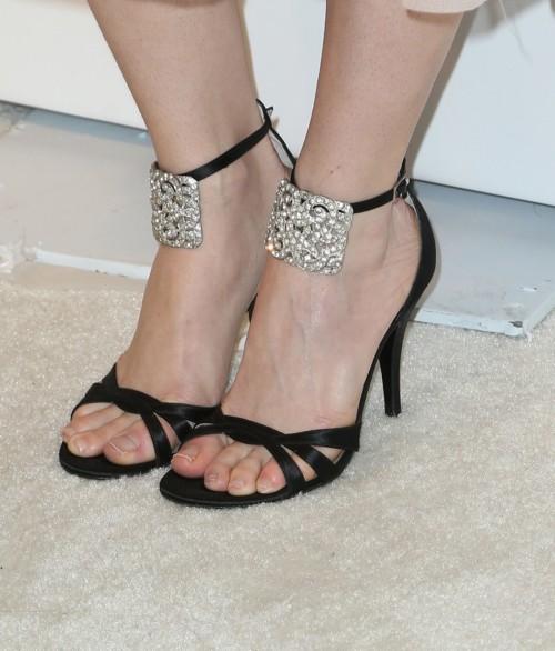 Erika-Christensen-Feet-55a9a018526ca09d3.jpg