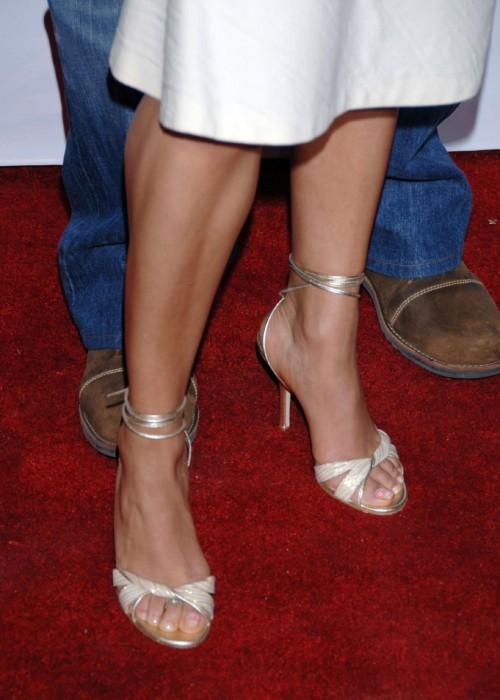 Essence-Atkins-Feet-7df93c266da5409dd.jpg