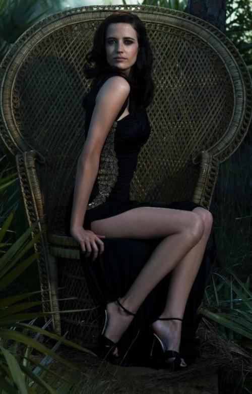 Eva-Greens-Feet-5514bcdf099edb47bc.jpg