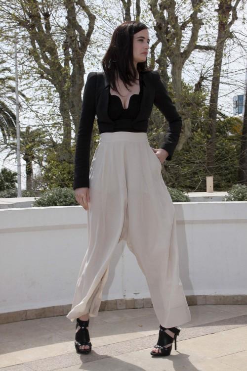 Eva-Greens-Feet-6143d4e02857978142.jpg