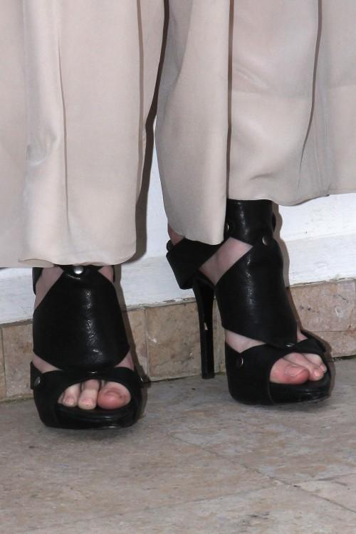 Eva-Greens-Feet-6870dc11172a026550.jpg