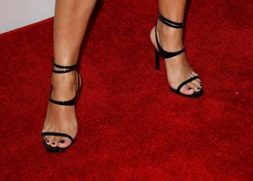 Eva-Longoria-Feet-26c0e0497276bed8cc.jpg