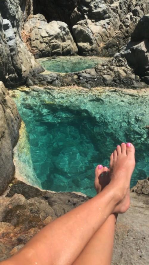 Eva-Longoria-Feet-356814e0aed1a545c5.jpg