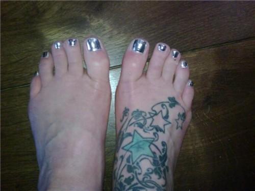 Fearne-Cotton-Feet-11ecc46310266ec6f6.jpg