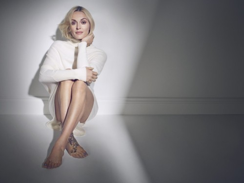 Fearne-Cotton-Feet-22086995283200c2a1.jpg