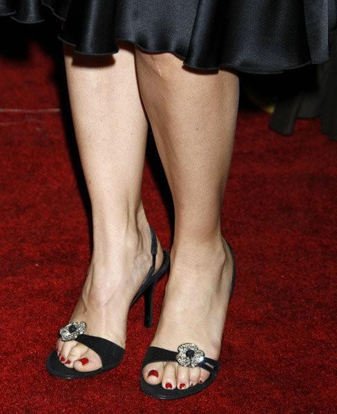 Felicity-Huffman-Feet-12dc9945da480c1426.jpg