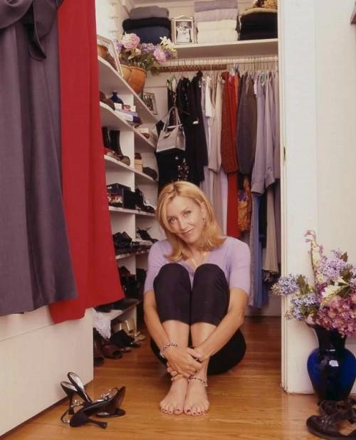 Felicity-Huffman-Feet-528fc4776eb2a3050.jpg
