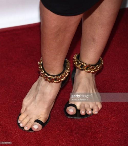 Fran-Drescher-Feet-15822603c33ed2a53f.jpg
