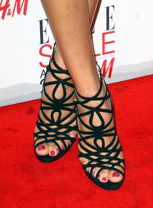 Freida-Pintos-Feet-49570e869d1ffcfb90.jpg