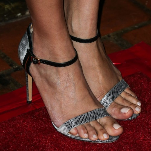 Freida-Pintos-Feet-5461d48a3c4880c0a4.jpg