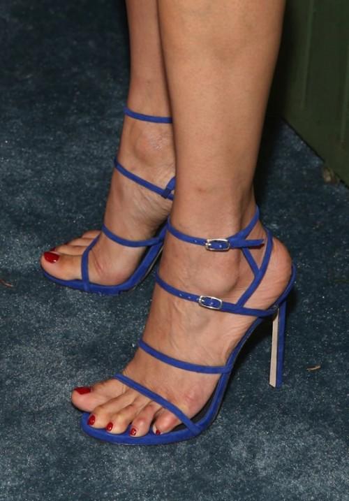 Freida-Pintos-Feet-55118e31851266a747.jpg
