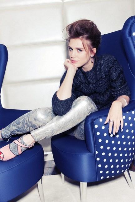 Gaia-Weisss-Feet-110b773293d6472019.jpg