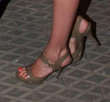 Gal-Gadots-Feet-439dbd19f43754ae41.jpg