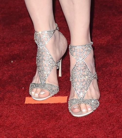 Geena-Davis-Feet-20cb35d27df433bceb.jpg