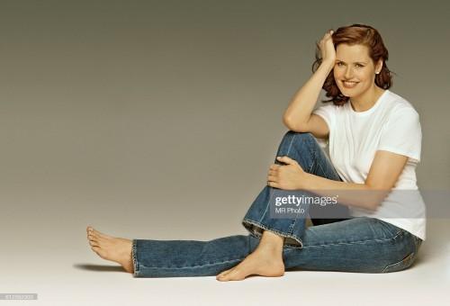 Geena-Davis-Feet-24e25e2455e5c1172d.jpg