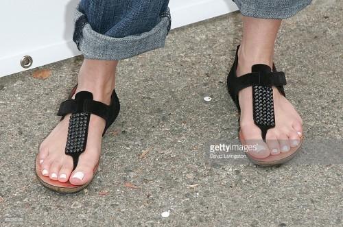 Giada-De-Laurentiis-Feet-29f5315c80974ea3f1.jpg