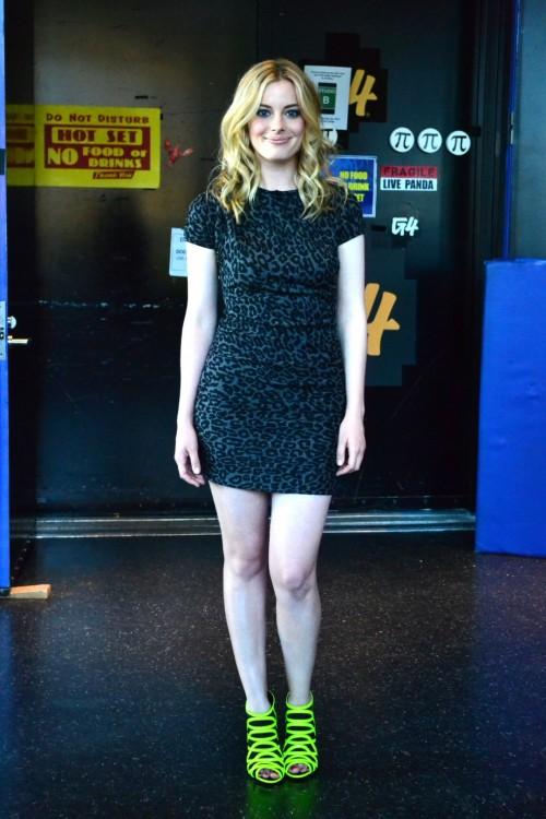 Gillian-Jacobss-Feet-52b3bfe59735ac89ad.jpg