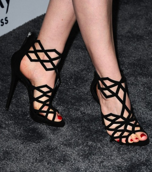Gillian-Jacobss-Feet-5617839fbebc200340.jpg
