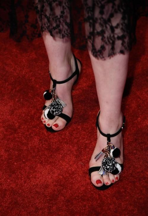 Gillian-Jacobss-Feet-62ffdfd7ff77ca2382.jpg