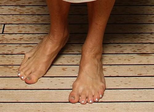 Goldie-Hawn-Feet-77c955294e7d44dbc.jpg