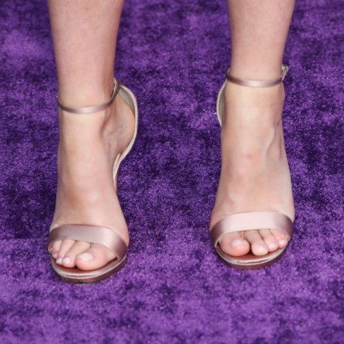 Gwyneth-Paltrow-Feet-12e24c510eec1e3469.jpg