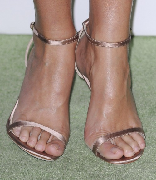 Gwyneth-Paltrow-Feet-81fb6588c4b5d753f.jpg