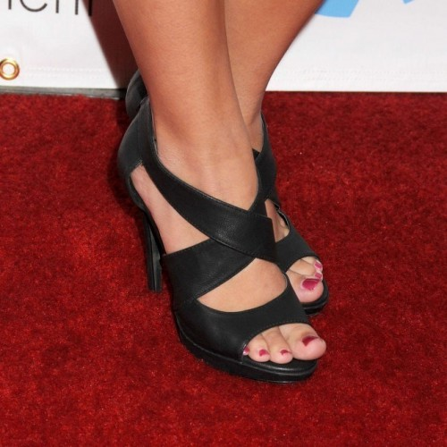 Haley-Pulloss-Feet-43248f9c68d3234bdb.jpg