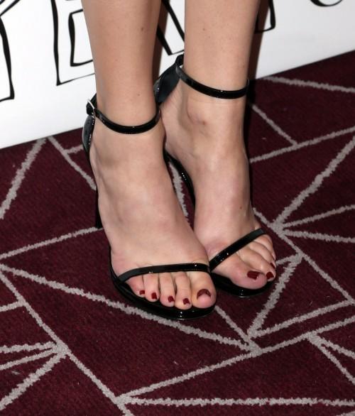 Halston-Sages-Feet-53058eacb28d89fbab.jpg