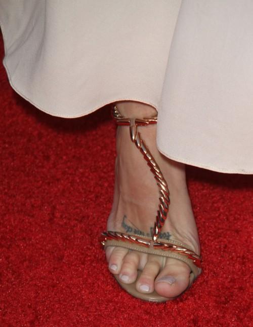 Heather-Morris-Feet-8fecd8575f9568aa9.jpg
