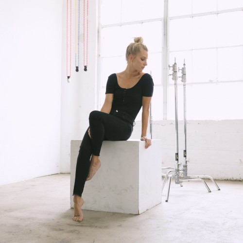 Heather-Morris-Feet-97ef5fa8e8af7aa27.jpg