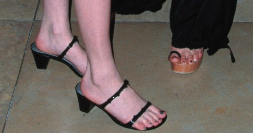 Holly-Marie-Combs-Feet-248da66efbcd59da8.jpg