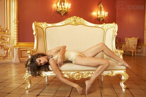 Irina-Shayks-Feet-42e340955dfffbfda6.jpg