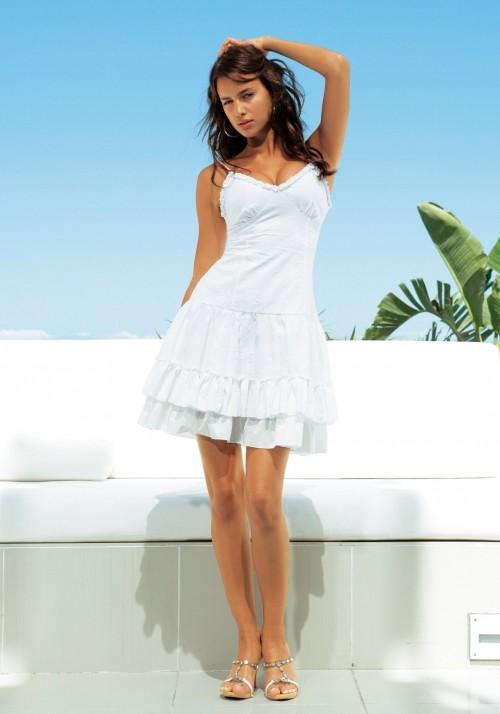 Irina-Shayks-Feet-44226e5d909fb502bc.jpg