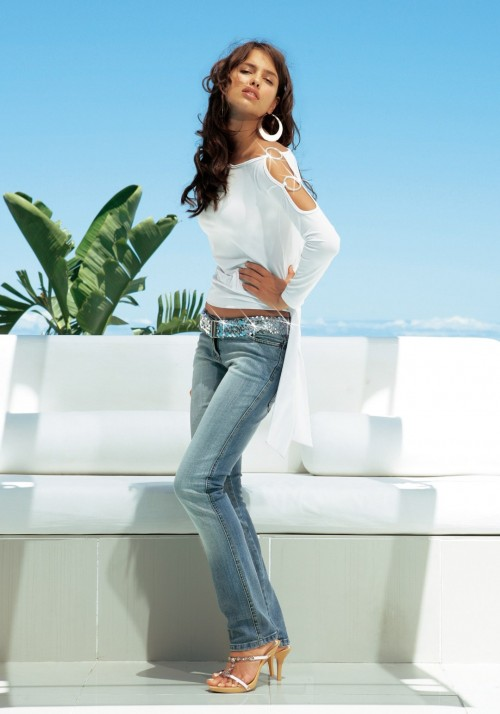 Irina-Shayks-Feet-466d7183e623ccfa18.jpg