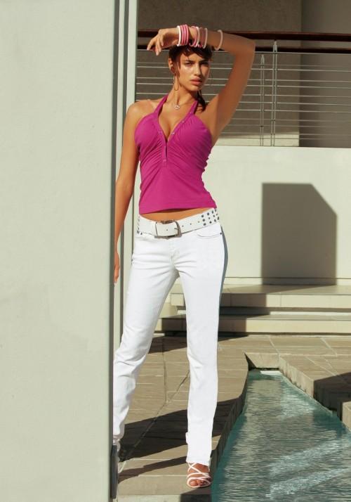 Irina-Shayks-Feet-49023f320d127fbe1f.jpg