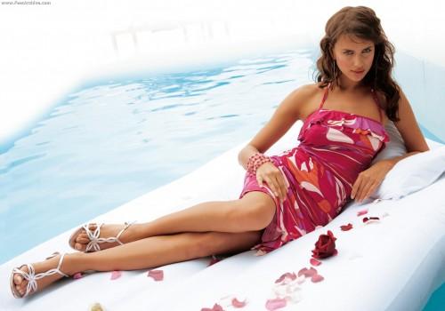 Irina-Shayks-Feet-54d6c2c2636093ac31.jpg