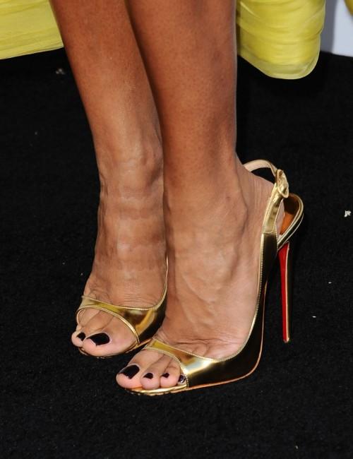 Jada-Pinkett-Feet-2108080c8fa9654a8.jpg