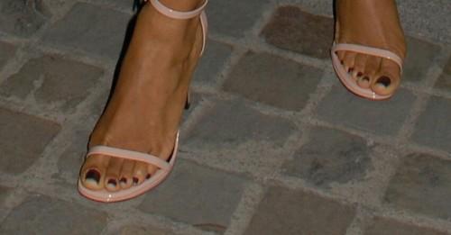 Jada-Pinkett-Feet-3ec0ae22ebe5ac5af.jpg