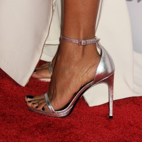 Jada-Pinkett-Feet-51c78ed0fdf70e5c5.jpg