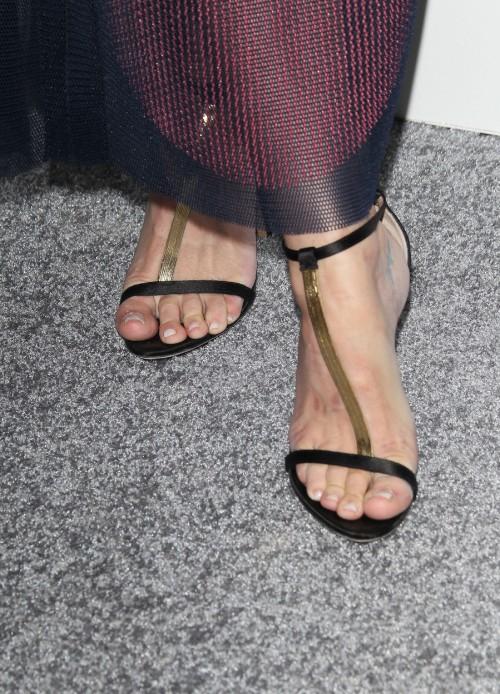 Jaime-King-Feet-1b02d7355ff2e8fdc.jpg