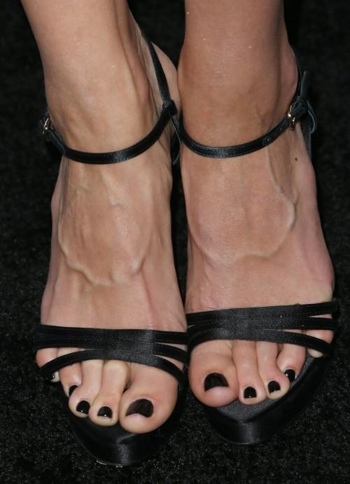 Jaimie-Alexanders-Feet-42906e357f3a7a854a.jpg