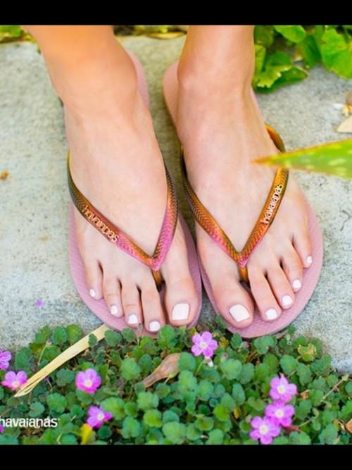 Jamie-Chung-Feet-152aab93e01feea325.jpg
