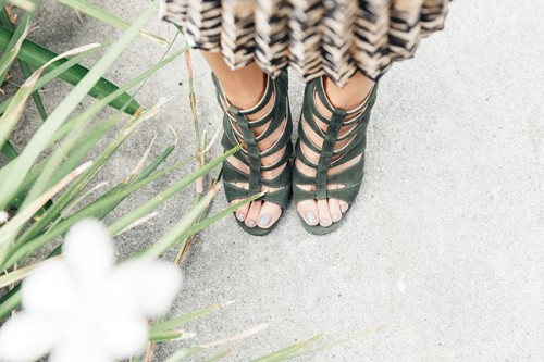 Jamie-Chung-Feet-16c3d81801478b276.jpg