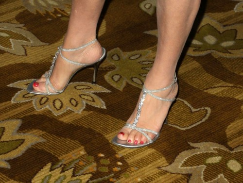 Jane-Seymour-Feet-579684cd3e1390099.jpg