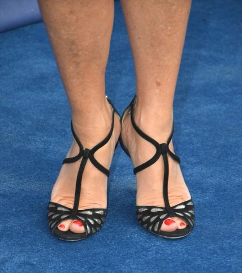 Jane-Seymour-Feet-7f77a41f6a8e9b006.jpg