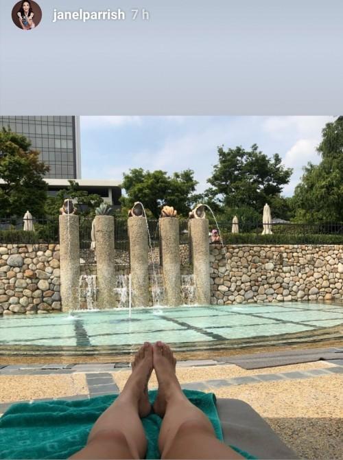 Janel-Parrish-Feet-112426d1773e48510c.jpg