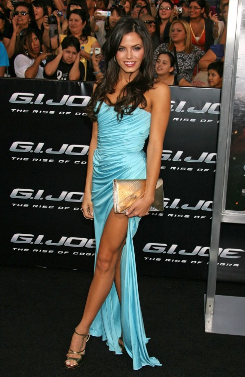 Jenna-Dewans-Feet-23607fad9da9301d4d.jpg