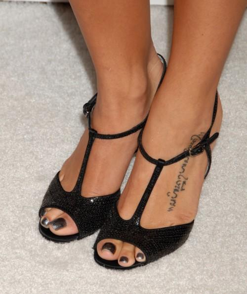 Jenna-Dewans-Feet-404ee215786017d1d3.jpg