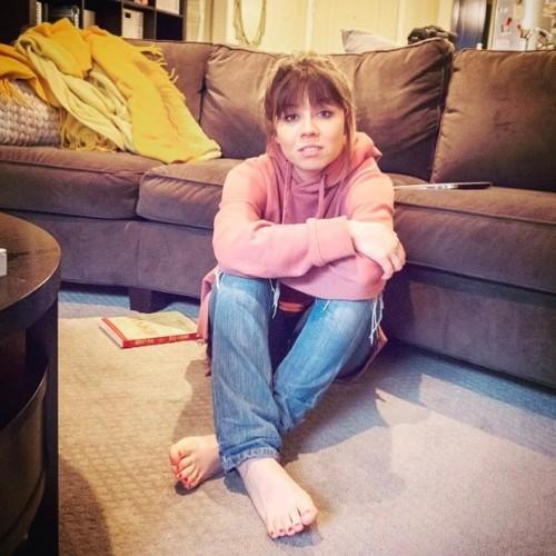 Jennette-McCurdy-Feet-2731984afb31a3157811a20.jpg
